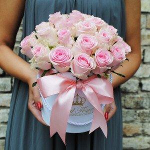 Rožinės rožės dėžutėje AB/M